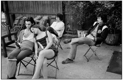 Pose sur le tournage de 1789. Photo de Martine Franck, été 1973